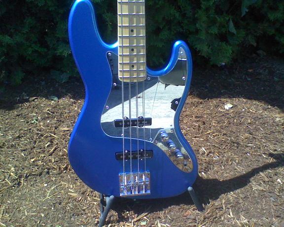 Bass and Guitar Restoration Bass-210