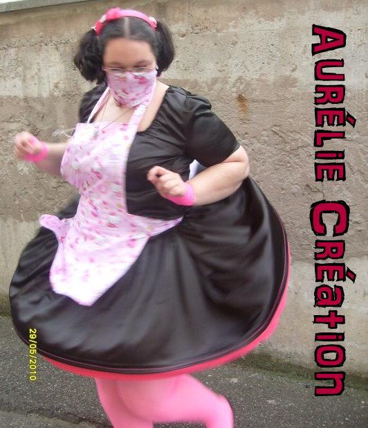 Tulipe-noire créa ... tenue alice aux pays des enfers revisité ,  cape polaire , tenu en vinyl pour sombre poupée , le tout porté sur mes clientes =) en ligne - Page 4 30607_11