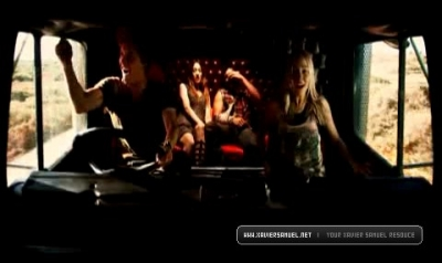 Screen Captures > Trailer 11010