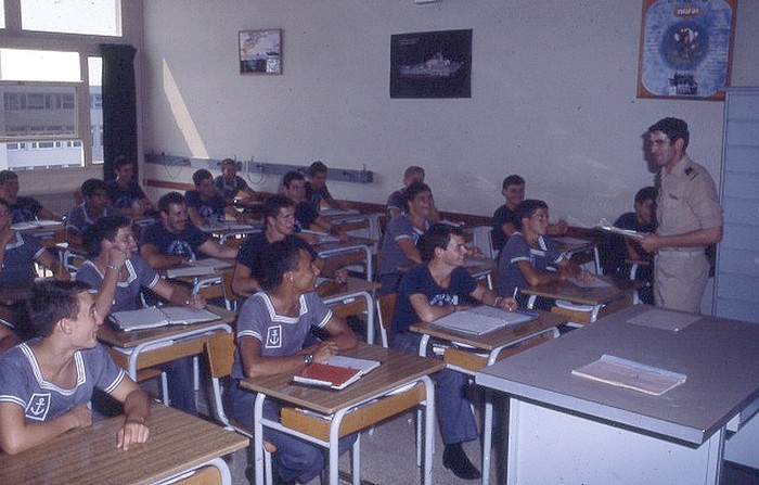[Les écoles de spécialités] ÉCOLE DES TIMONIERS - TOME 1 - Page 37 Op10