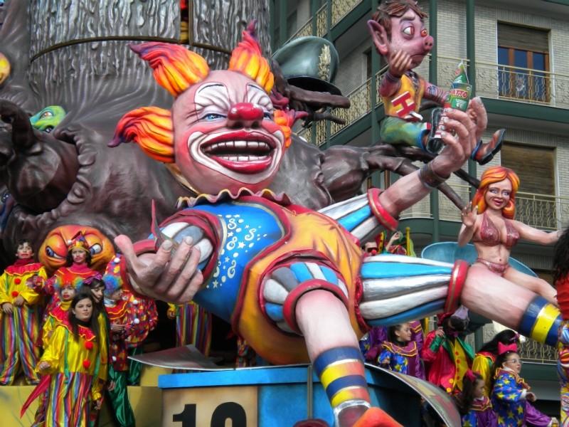 Carnevale di Putignano - Pagina 2 1710