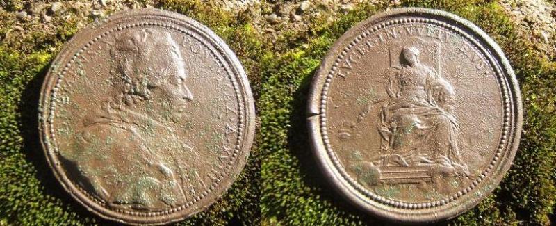 Rare médaille commémorative 18ème année Pontificat de CLEMENT XI 2004_016