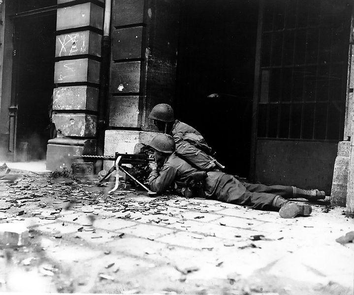 Replicas WWII 719px-10