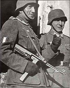 Replicas WWII Firear10