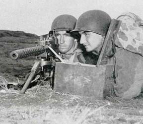 Replicas WWII Weapon11