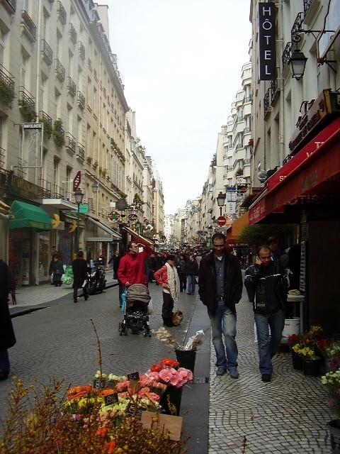 """""""Rue Montorgueil"""" de Monet – un commentaire critique Montor10"""
