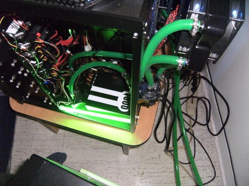 Asus Rampage III Extreme I7 990X-waterchiller 12GB Ram TRI SLI GTX 480 + GTX 470 PhysX-watercooling Dscf0014