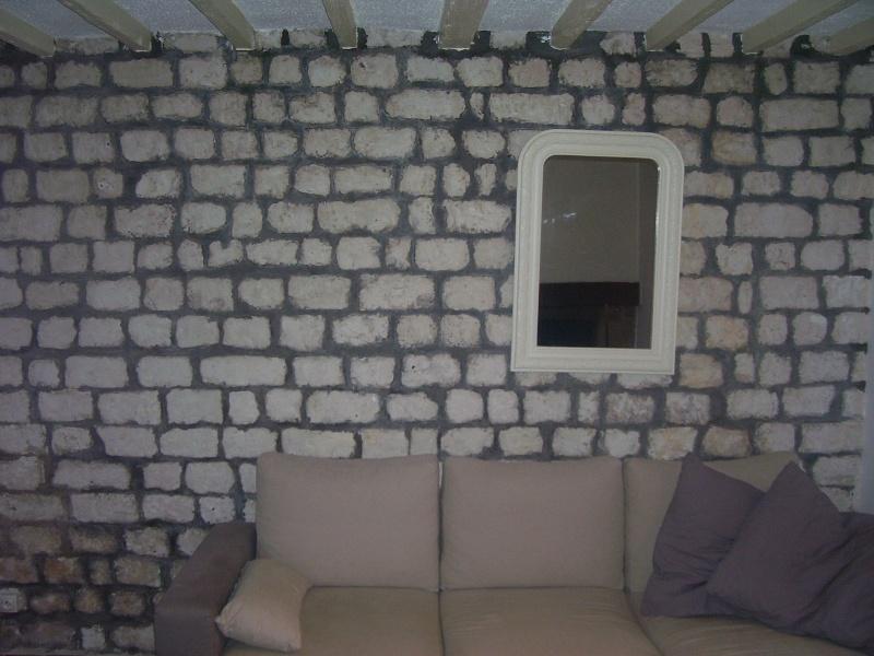 Mur en pierres calcaire et joins ciments gris !!! 100_3217