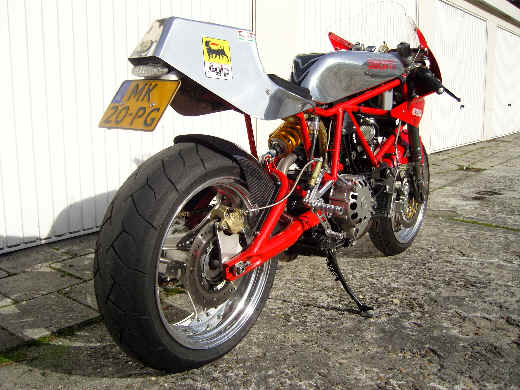 UNE TUERIE!!!! Ducati11