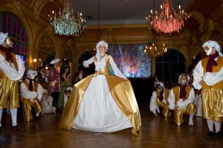 le bal de Versailles, l'histoire 0804-b12
