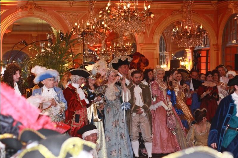 le bal de Versailles, l'histoire Bdv_2k10