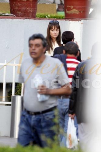 Foto de Gaby en el velorio de mama de Lucia Mendez 42988810