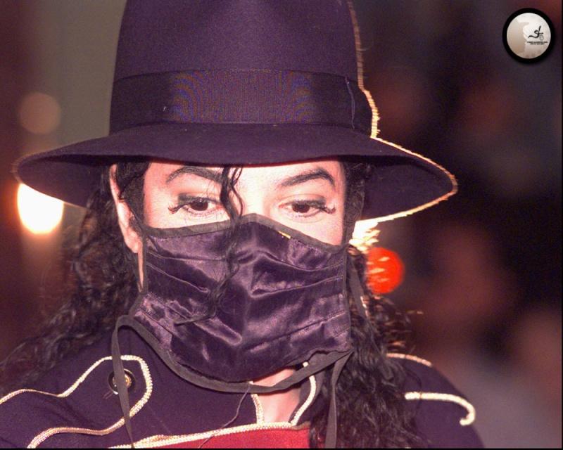 Foto di Michael Jackson con la mascherina - Pagina 6 57103010