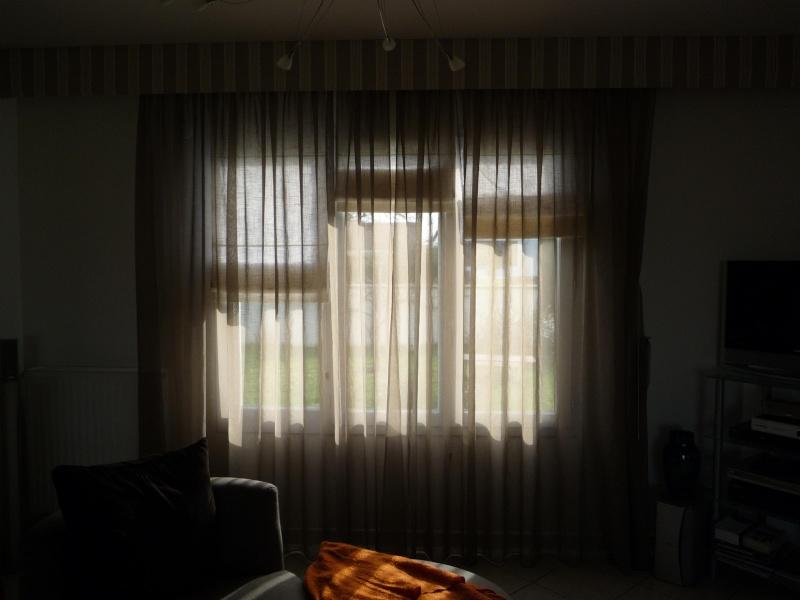 Placer des rideaux au-dessus de large fenêtre P1020211