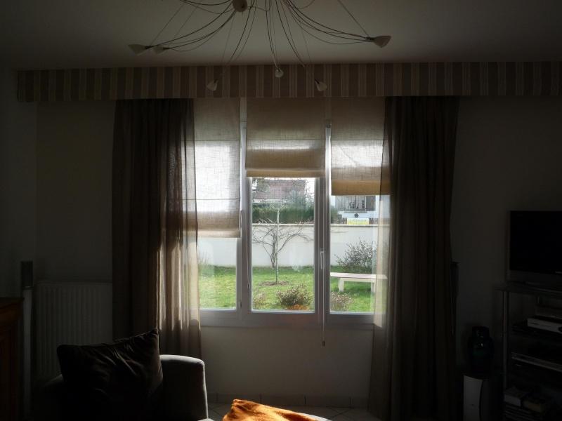 Placer des rideaux au-dessus de large fenêtre P1020212