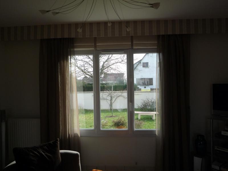 Placer des rideaux au-dessus de large fenêtre P1020213