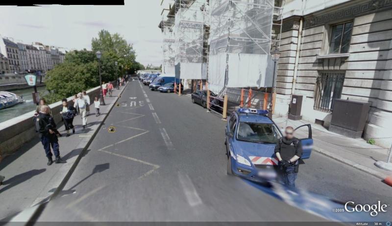 STREET VIEW : véhicules de police du monde 14_qua10
