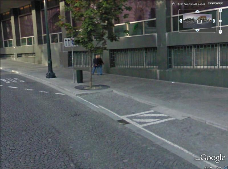 STREET VIEW : les gens en chaussettes noires ! - Page 3 Des_ju10