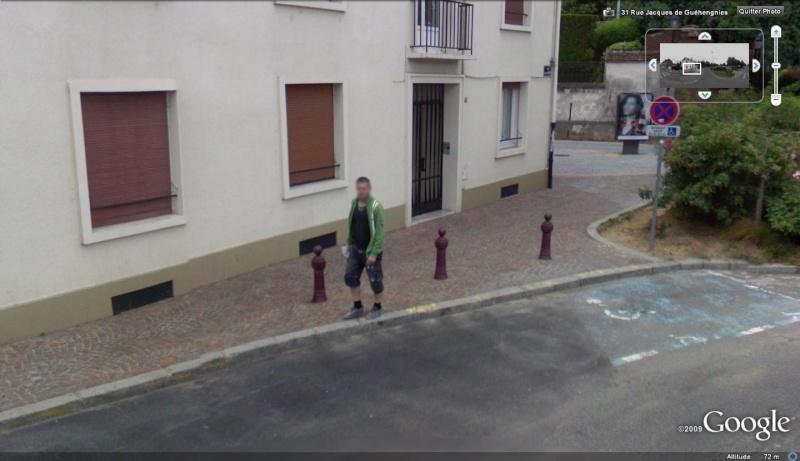 STREET VIEW : les gens en chaussettes noires ! - Page 6 Les_ch10