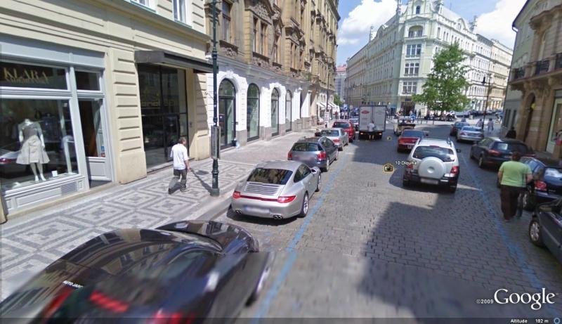 STREET VIEW : belles voitures (Monde) - Page 7 Prague10