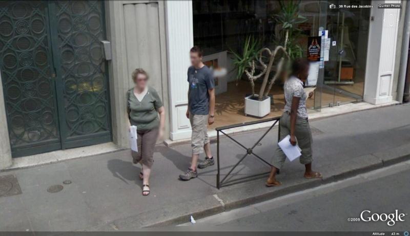 STREET VIEW : les gens en chaussettes noires ! - Page 6 Re-cha10