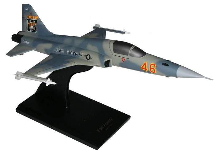 Les F-5E/F/N Tiger II / Aggressor - Page 3 B8510f10
