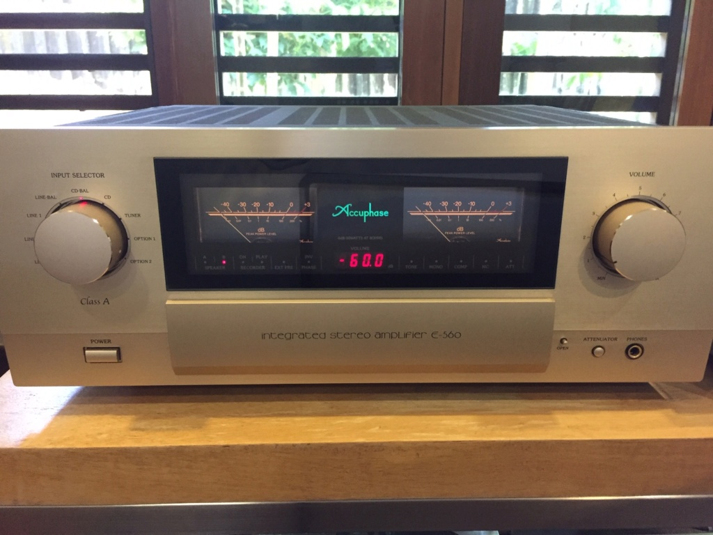 Accuphase E-560 Amp (Used) Img_5322
