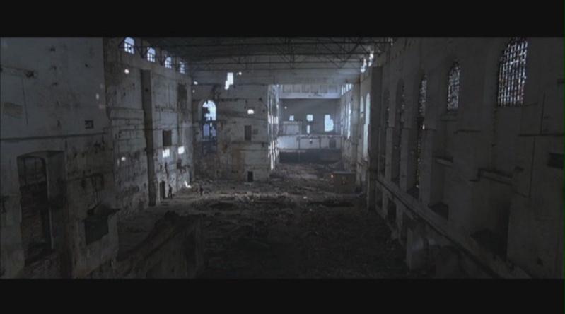 Des ruines dans le cinéma Hostel10