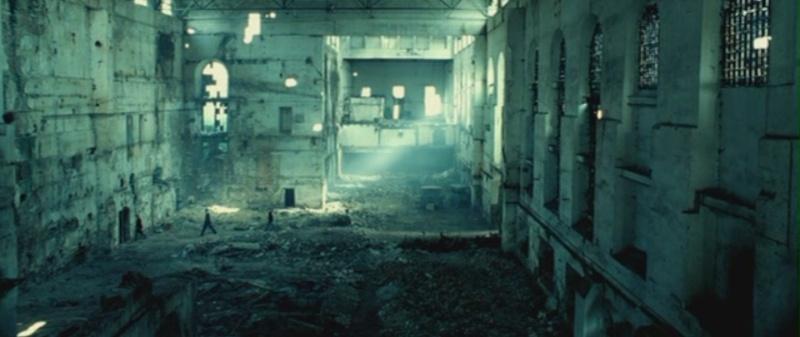 Des ruines dans le cinéma Hostel12