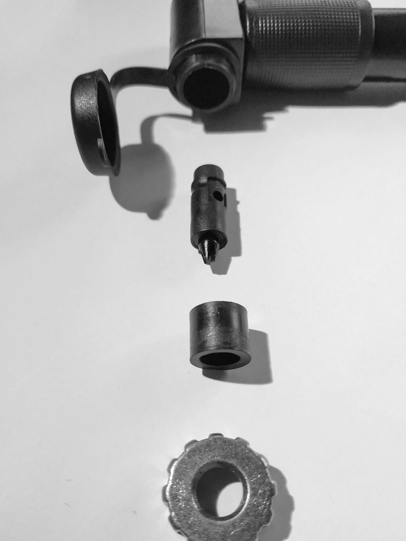 Pompe Brompton et valve presta. Img_2012