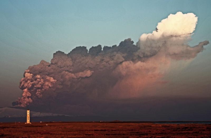 Foto eruzione Fimmvörðuhálsi - Islanda 45302210