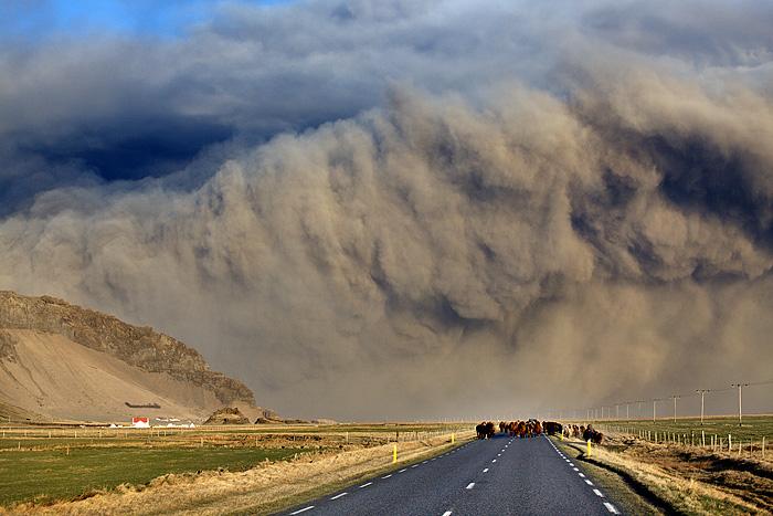 Foto eruzione Fimmvörðuhálsi - Islanda 45314310