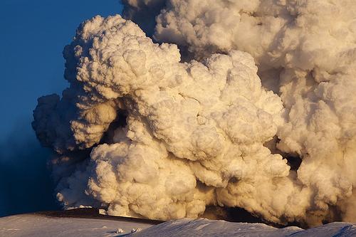 Foto eruzione Fimmvörðuhálsi - Islanda 45319310