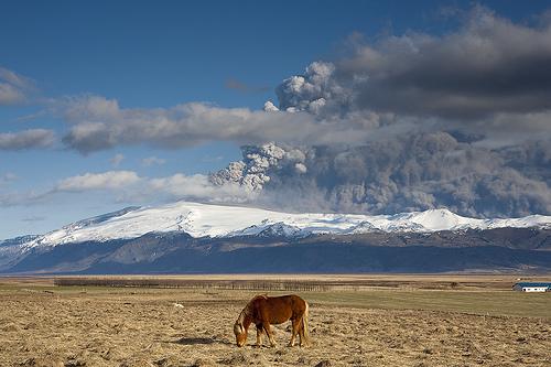 Foto eruzione Fimmvörðuhálsi - Islanda 45325610