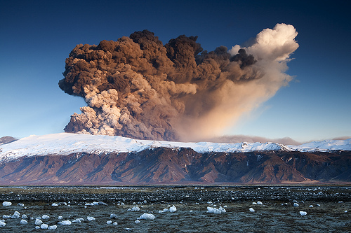 Foto eruzione Fimmvörðuhálsi - Islanda 45325710