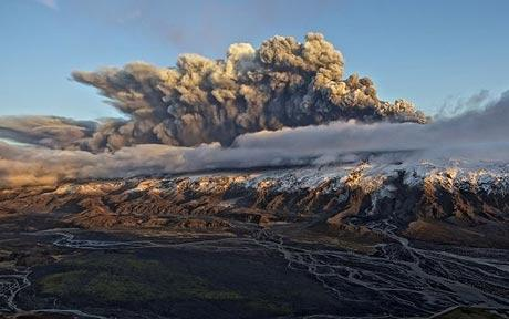 Foto eruzione Fimmvörðuhálsi - Islanda 45333111