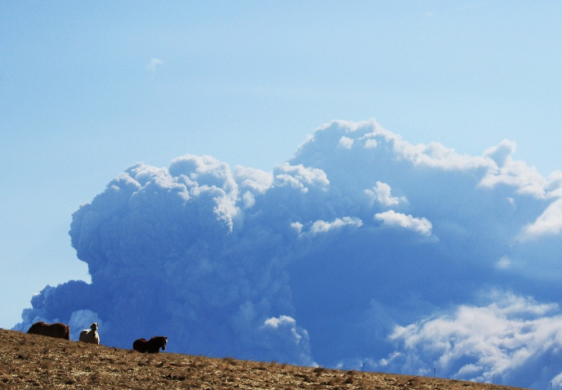 Foto eruzione Fimmvörðuhálsi - Islanda 45336010