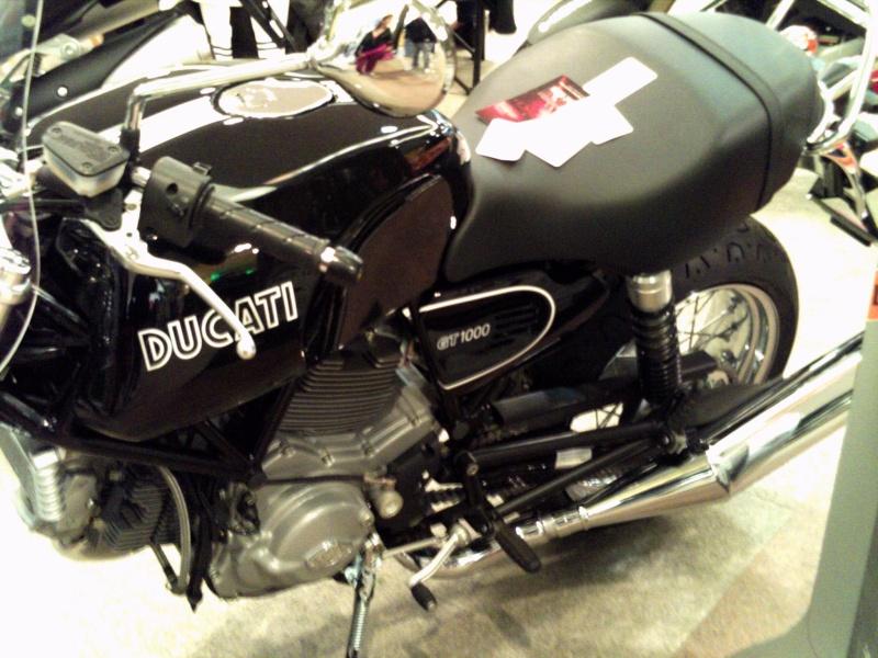 Foto di moto d'epoca o rare avvistate per strada Pict0071
