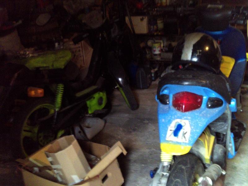 Foto di moto d'epoca o rare avvistate per strada Scootr10