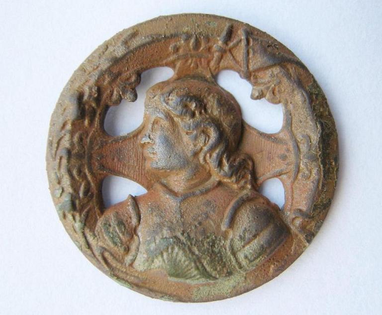 Bouton effigie Jeanne d'Arc - début XXème C_dscn22
