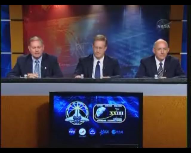 [STS-132] Atlantis : préparatifs (lancement prévu le 14/05/2010) - Page 8 Sans_t71
