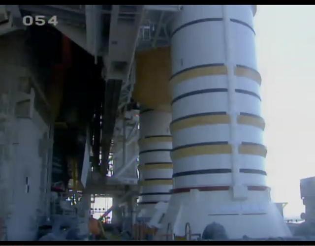 [STS-132] Atlantis : préparatifs (lancement prévu le 14/05/2010) - Page 10 Sans_t74