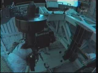 [STS-131] Discovery : EVA 3 Anderson & Mastracchio Vlcsn101