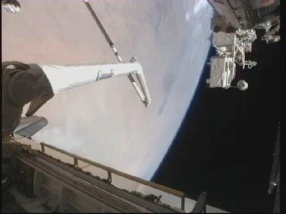[STS-131 / ISS19A] Discovery : déroulement de la mission - Page 13 Vlcsn131