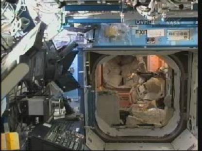 [STS-131 / ISS19A] Discovery : déroulement de la mission - Page 13 Vlcsn135