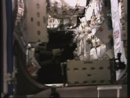 [STS-131 / ISS19A] Discovery : déroulement de la mission - Page 14 Vlcsn144