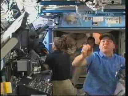 [STS-131 / ISS19A] Discovery : déroulement de la mission - Page 14 Vlcsn146