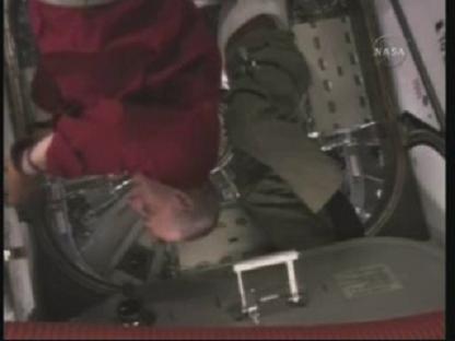 [STS-131 / ISS19A] Discovery : déroulement de la mission - Page 14 Vlcsn157
