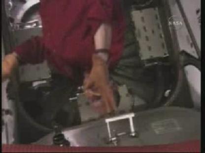 [STS-131 / ISS19A] Discovery : déroulement de la mission - Page 14 Vlcsn158