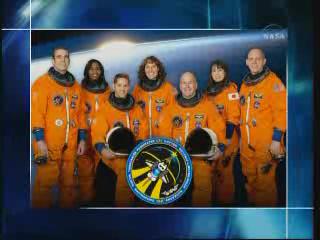 [STS-131 / ISS19A] Discovery : déroulement de la mission - Page 22 Vlcsn232